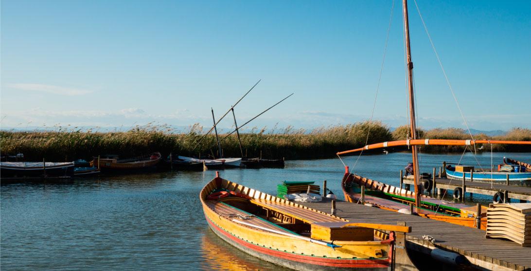 Pasea En Barca Por La Albufera Con Menú Gastronómico Incluido